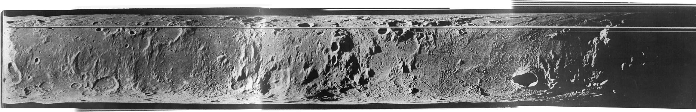 Panorama Księżyca z pokładu Łuny 22. Źródło: http://mentallandscape.com/C_CatalogMoon.htm