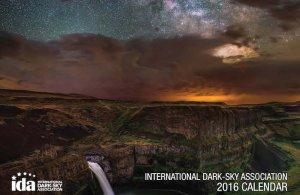 Okładka kalendarza 2016 opublikowanego przez IDA przedstawiająca krajobraz z parku stanowego Pallous House w stanie Waszyngoton