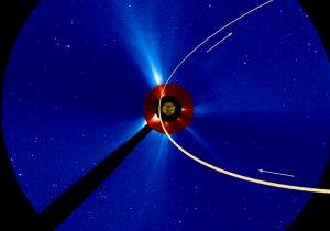 Trasa ruchu komety ISON w polu widzenia sondy STEREO