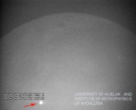 Błysk po upadku meteorytu na Księżyc