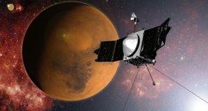 Sonda MAVEN na orbicie marsjańskiej (wizja artysty)