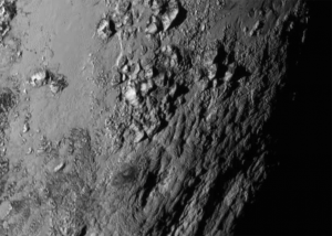 New Horizons fotografuje góry na Plutonie