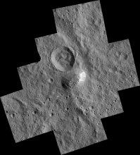 Góra Ahuna Mons na planecie karłowatej Ceres