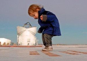 Dziewczynka z teleskopami