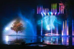 Water Concept Opera - kurtyny wodne podczas festiwalu światła Skyway