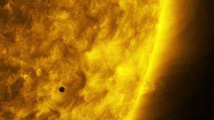 Tranzyt Merkurego sfotografowany przez Solar Dynamics Observatory (SDO)
