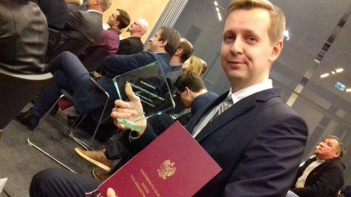Bogumił Radajewski po odebraniu nagrody Popularyzator Nauki 2017