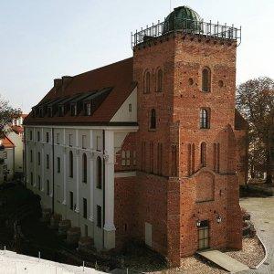 Małachowianka i widok na wieżę obserwatorium