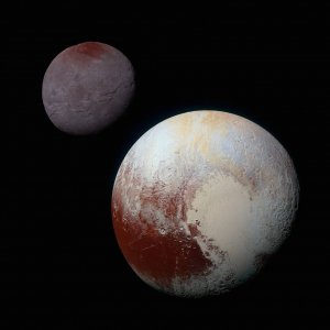 Pluto i Chaton sfotografowane przez sonde New Horizons