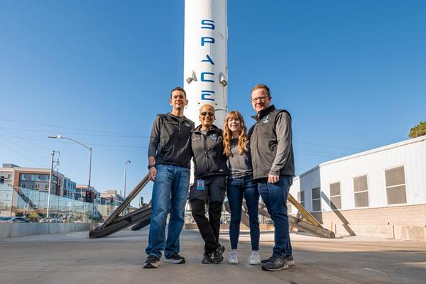 Misja Inspiration: 4 osoby z minimalnym przeszkoleniem na orbicie  | Urania - Postępy Astronomii